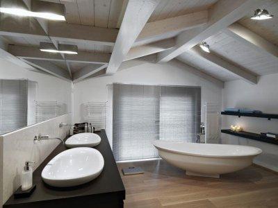 פרקטים לאמבטיות ומקלחות