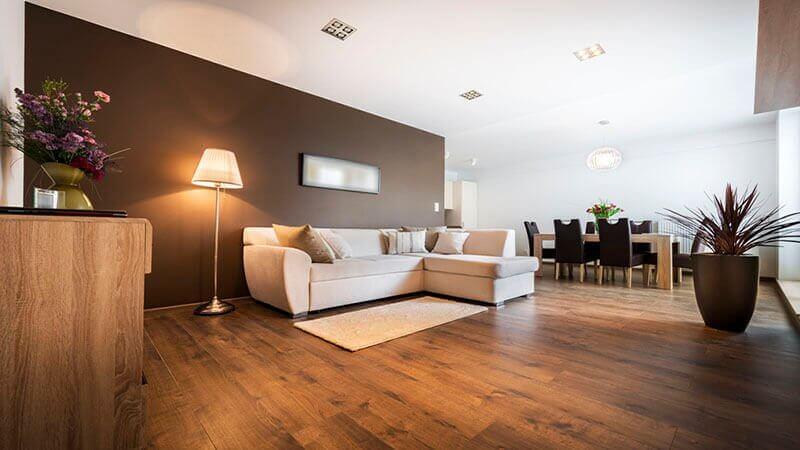פרקט בסלון הבית